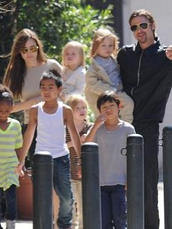 Angelina Jolie with Brad Pitt and their children