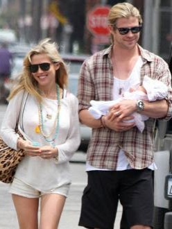 Chris Hemsworth with Elsa Pataky and baby India