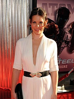 Evangeline Lilly not happy with Best Butt Ever