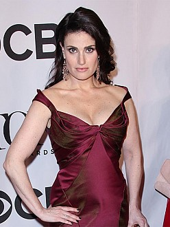 Idina Menzel needs time to date