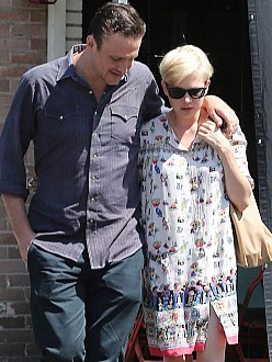Jason Segel with Michelle Williams