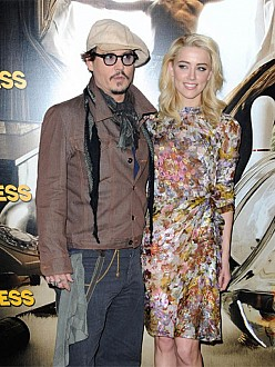 Johnny Depp engaged to Amber Heard?