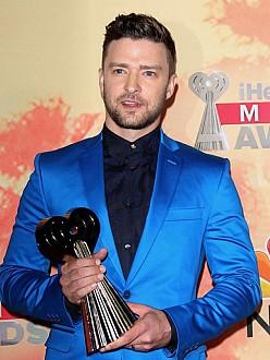 Justin Timberlake with his Innovator Award