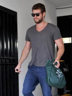 Liam Hemsworth Love Miley Cyrus Ripped Jeans ImageLiam Hemsworth Ripped