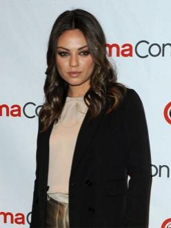 Mila Kunis doesn`t think she is attractive