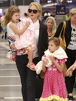 Nicole Kidman and her daughters
