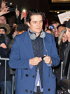 Orlando Bloom flirting with Nina Dobrev