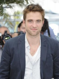 Robert Pattinson feels naked using British accent