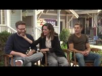 Seth Rogen, Rose Byrne & Zac Efron Interview - Neighbors 2: Sorority Rising Poster