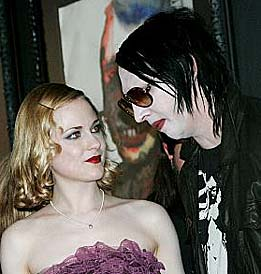 Marilyn Manson fantasizes about smashing ex-girlfriend Wood's skull