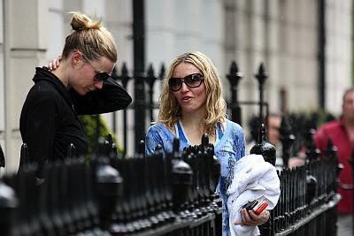 Gwyneth Paltrow & Madonna