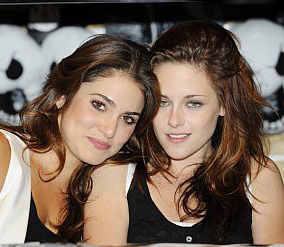 Kristen Stewart and Nikki Reed are set