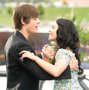 Zac Efron and Vanessa Hudgens in High School Musical 3