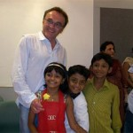 Danny Boyle rushes to aid Slumdog kids