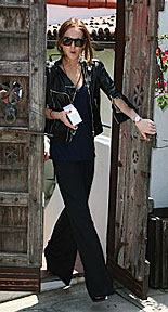 Lindsay Lohan leaving her house