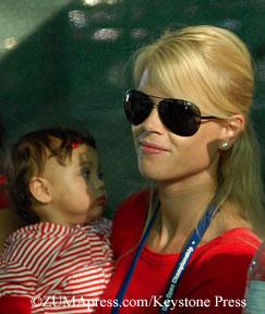 Elin Nordegren and daughter Sam