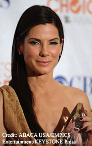 Sandra Bullock with her award
