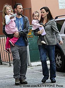 Jennifer Garner & Ben Affleck with daughters Violet & Seraphina