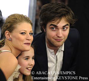 Emilie de Ravin, Ruby Jerins and Robert Pattinson at Remember Me premiere