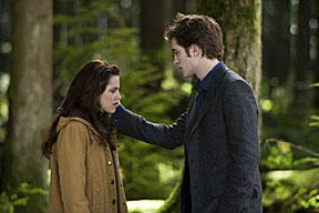 Kristen Stewart & Robert Pattinson in a scene from New Moon