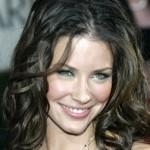 "Lost star Evangeline Lilly ""homeless"""