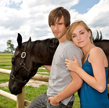 Ty (Graham Wardle) and Amy (Amber Marshall)