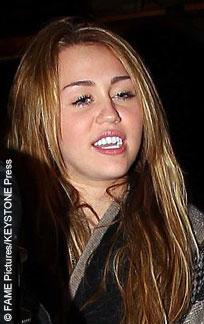 Miley cyrus lookalike takes two huge black cocks 6