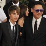 Justin Bieber arrived with director Jon Chu on the red carpet. One of the pre-show interviewers asked him who his date was.