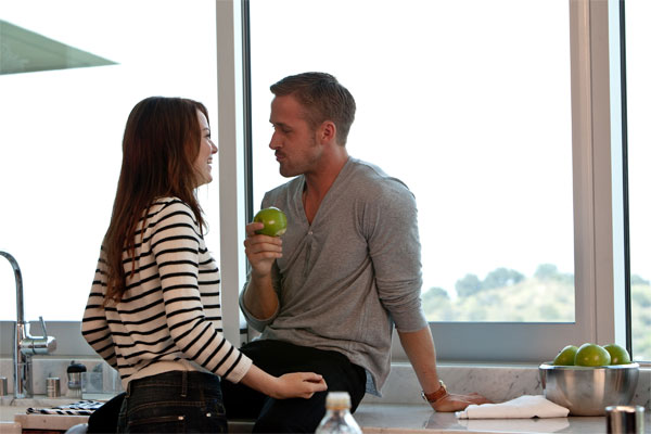 Jacob (Ryan Gosling), a bachelor, takes it upon himself to show Cal (Steve Carell), a recently single family man, the ropes of the dating game. In a twist of fate, Jacob finds out that there's more to life than looking good and getting laid when he meets Hannah (Emma Stone).