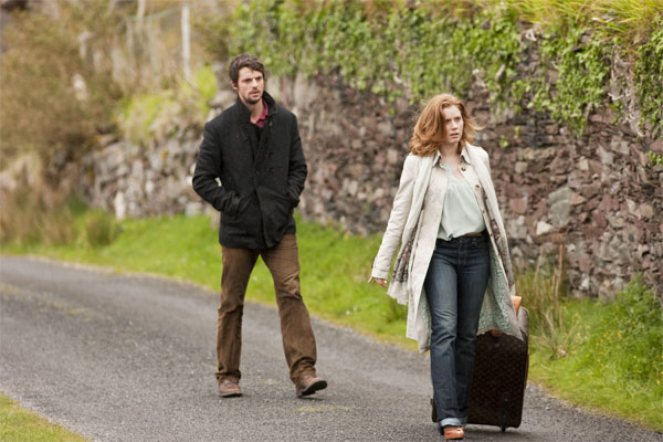 According to Irish traditions, a man who receives a marriage proposal on leap day must always accept. Taking advantage of this belief, Anna Brady (Amy Adams) decides to travel to Dublin, Ireland to propose to her boyfriend but her plans get derailed by bad weather. So, she enlists the help of a local innkeeper, who […]