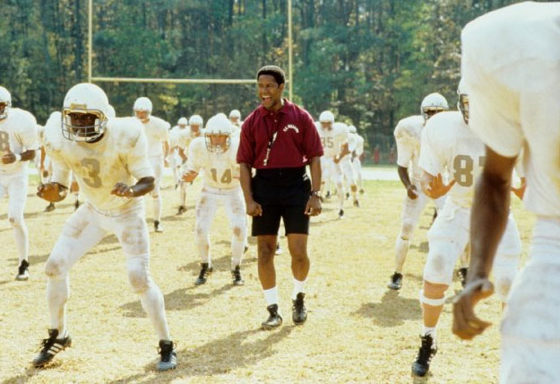 With the introduction of racially integrated schools in 1971, a group of black and white football players are forced to share the field playing for the same team. The white coach (Will Patton) steps down, leaving the job to the black coach (Denzel Washington) who's forced to work through not only the dysfunctional mechanics of […]