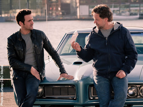 Allan Hawco (l) and guest star Russell Crowe (r) on CBC's Republic of Doyle