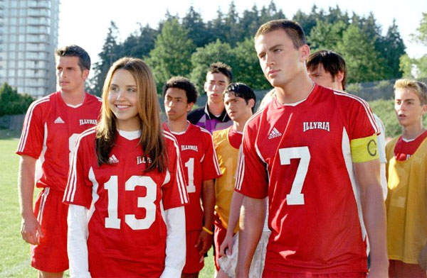 A teenage girl (Amanda Bynes) disguises herself as her brother and sneaks off to his elite boarding school to play on a boys soccer team. What she doesn't expect is to fall head over heels for one of her teammates, Duke (Channing Tatum, in his first big role), who also happens to be her roommmate. […]
