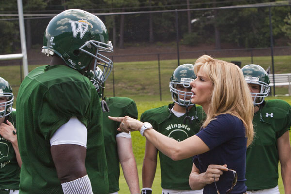 A suburban mom (Sandra Bullock) spots a young homeless black man, Michael Oher (Quinton Aaron), on the street and after recognizing him from her daughter's class, she brings him home to escape the winter cold. Despite having to face a new set of challenges, Michael soon becomes part of their family and with their support, […]