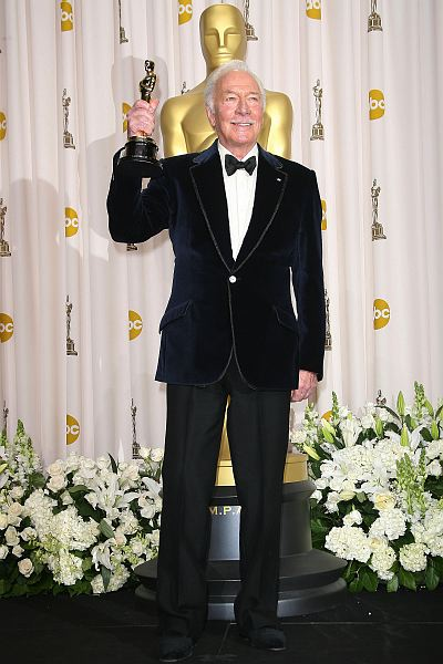 A black tux is classic but it's also common. Christopher Plummer, who became the oldest performer to ever pick up an acting Oscar when he won for best supporting actor this year, tried something a little different with a midnight blue velvet tuxedo. The result? Pure class. Photo: ©AdMedia/AdMedia/KEYSTONE Press