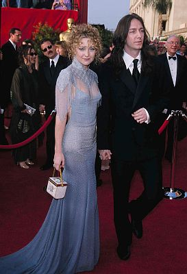 Kate Hudson attended her first Oscars in 2001 hoping to blow people away with her pale blue, fitted Stella McCartney dress. She blew them away alright but only because of how quickly she ended up on the worst-dressed lists. Hudson might have been able to pull it off if she hadn't paired the dress with […]
