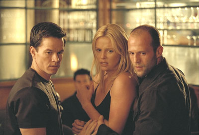 Professional thief Charlie Croker (Mark Wahlberg) and his team create the largest traffic jam in L.A history to steal gold from an ex-colleague. In order to avoid the traffic, the team uses Mini Coopers as getaway cars.