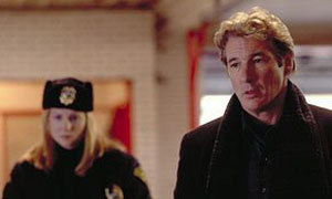 Reporter John Klein (Richard Gere) gets lost while traveling and ends up in Point Pleasant, West Virginia. His visit becomes horrific after he encounters the Mothman, a winged creature who is responsible for several terrible events.
