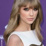 Taylor Swift rumored to play Joni Mitchell