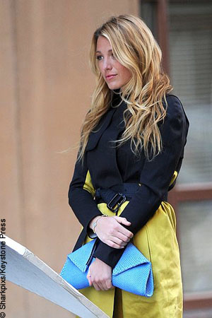 Blake Lively on Blake Lively Faces Off Against Ryan Reynolds    Mother   Celebrity