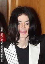 Michael Jackson Leaves Skin Clinic Surrounded By Group of Concerned Gal Pals!