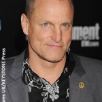 Woody Harrelson saves Ryan Gosling from fans