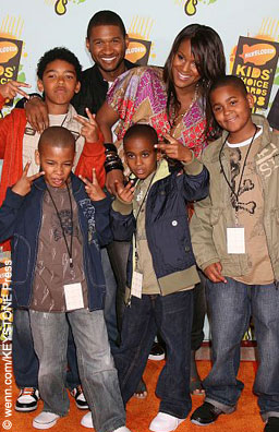 Usher, Tameka in 2008 with their sons