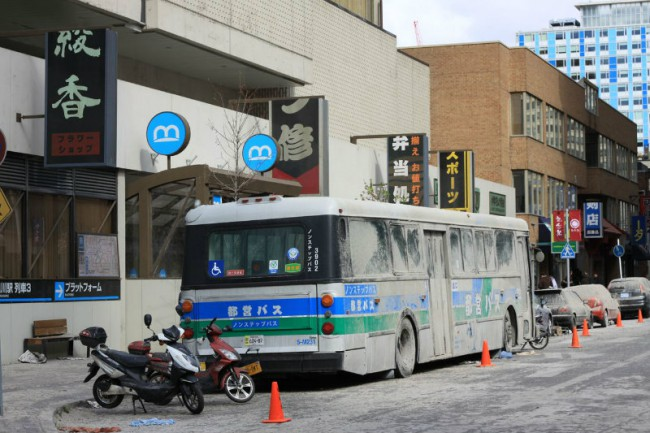 A Japanese style bus on the set in Toronto. Photo by Sue Holland.