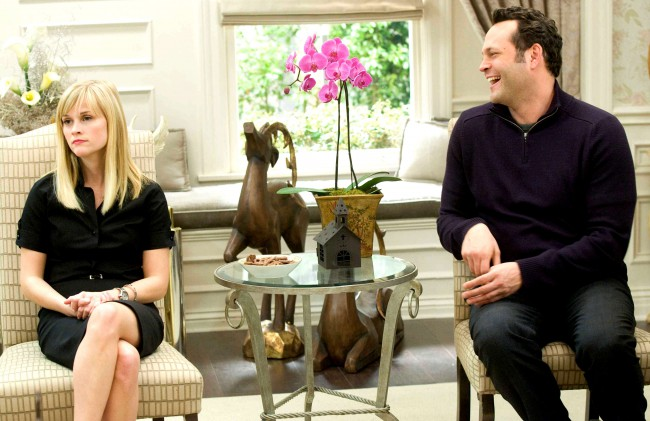 Unmarried but happy couple Kate (Reese Witherspoon) and Brad (Vince Vaughn) find themselves unable to go on their exotic Christmas vacation due to inclement weather. With no other plans, the couple unwillingly attends four relative-filled Christmas festivities that they previously tried to avoid. After hearing childhood memories and learning new things about each other, Kate […]