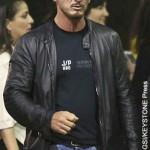 Sean Penn threatens to make fan eat cell phone