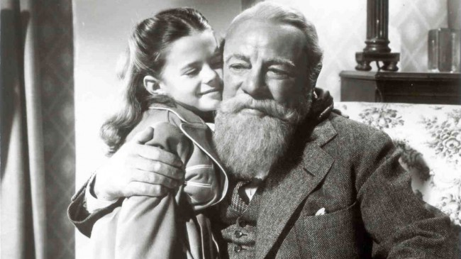 When an old man (Edmund Gwenn) is brought in to play Santa in the Macy's Thanksgiving Day Parade, everyone loves him for his impeccable impression of St. Nick and he's hired to play Santa for the department store as well. When he claims he's the real Kris Kringle, although he slowly wins over the heart […]