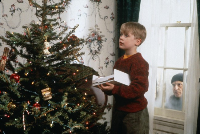 When eight-year-old Kevin McAllister (Macaulay Culkin) is left behind when his family flies to Paris over Christmas break, he's thrilled to be the man of the house. But when two burglars (Daniel Stern and Joe Pesci) try to rob the family home, Kevin must protect not only his house, but himself as well. Bringing in […]