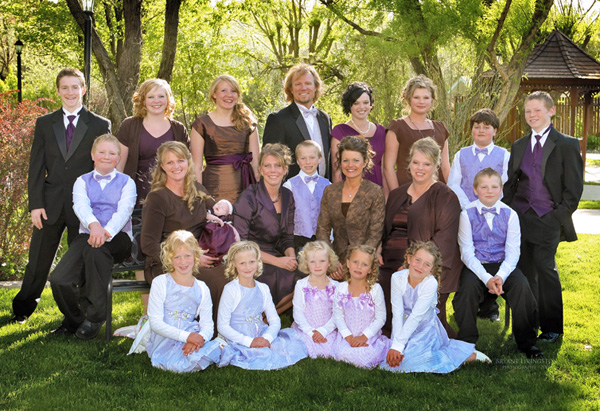 Documenting the life of a polygamist family as they try to deal with the fact that there are four wives and 17 kids. It is meant to educate people about polygamist families and to combat the social prejudice these families face, but it just seems downright weird. The father will sometimes favor one wife over […]