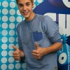Justin Bieber thumbs up